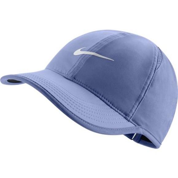 aa7fb0ccf69 NIKE WOMEN S NIKECOURT AEROBILL FEATHERLIGHT HAT
